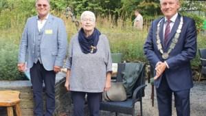 Margriet Konings (73) uit Roermond koninklijk onderscheiden in Jochumhof Steyl