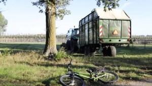 Fietser (8) gewond na aanrijding met tractor in Vierlingsbeek