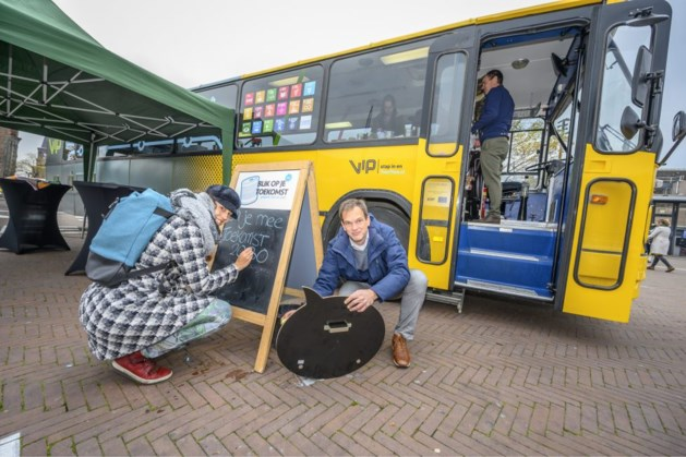 Duurzame doelen bus rijdt door Maasgouw