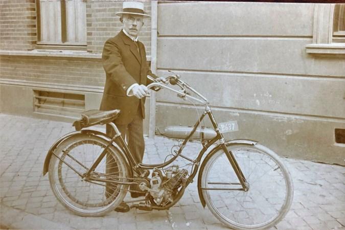 De 'Wehkamp van Venlo' verkocht naast fietsen ook jachtgeweren