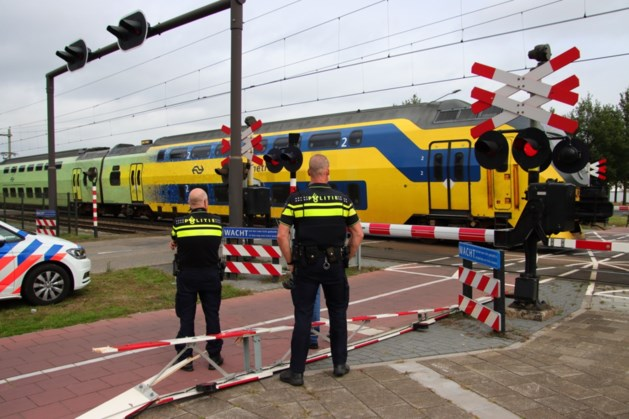 Overwegboom afgebroken: vertraging voor reizigers tussen Blerick en Deurne