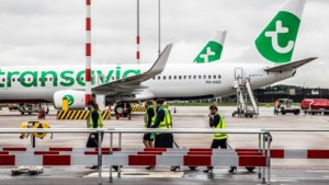Nederlander uit vliegtuig gezet na weigeren mondkapje