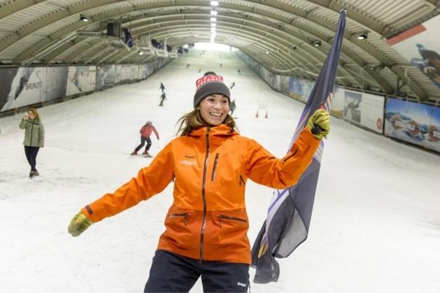 Jongeren met beperking gaan snowboarden met Bibian Mentel