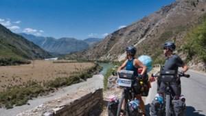 Linda en Ben uit Maastricht gaan op de fiets de wereld rond: 'Tot ziens Adriatische zee'