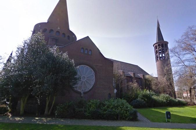 Lokale kunstenaars exposeren weekend lang in een lege Sint Jozefkerk in Stein