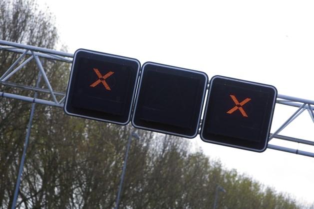 Afsluitingen op A2 tussen Born en Roosteren in avonduren