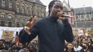 In opspraak geraakte officier van justitie van racisme-zaak gehaald
