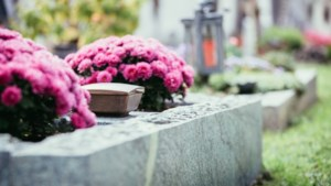 Herdenkingsmonument op kerkhof Eikske wordt onthuld