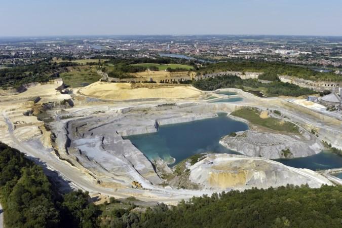 Vlak na de sluiting van ENCI wil cementfabriek CBR groeve net over de grens fors uitbreiden