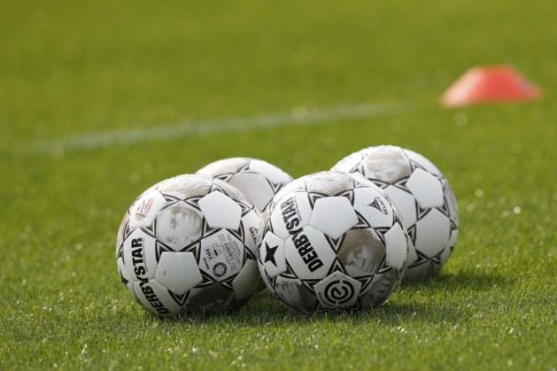 Voetballers SVC 2000 en Hebes starten seizoen met thuiswedstrijd