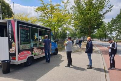 Ergens in Venlo: De magnetische kracht van een balletje mayo