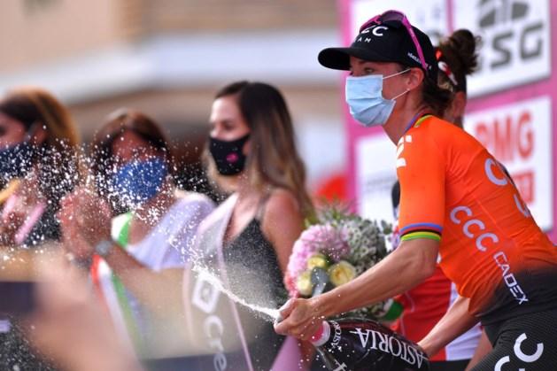Vos boekt wéér ritzege in Giro Rosa, Van Vleuten behoudt leiderstrui