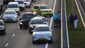 Drie voertuigen botsen tegen elkaar op A73 bij Venlo