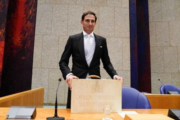 TERUGLEZEN | Minister Hoekstra: Coronacrisis zwarte zwaan, maar bezuinigen niet nodig