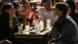 Kroegen in Randstad moeten om 01.00 uur dicht, na middernacht licht aan in cafés