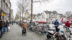 Maastricht treft maatregelen om 'chaotische verkeerssituatie' rondom vrijdagmarkt te verbeteren