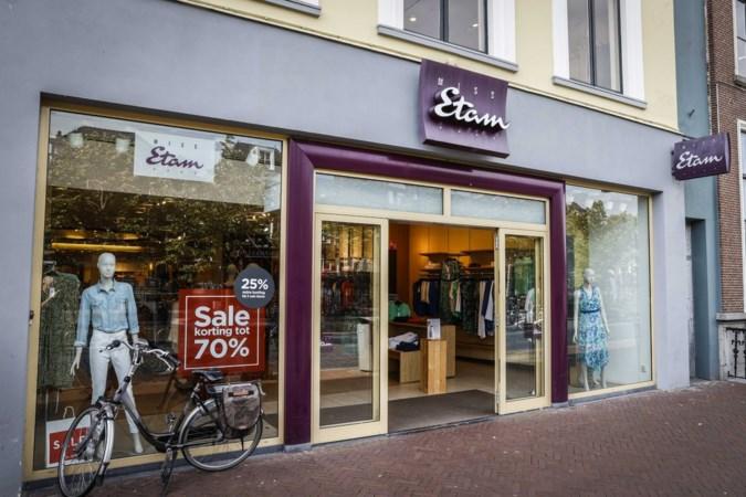 28 winkels Expresso, Miss Etam, Steps en Claudia Sträter sluiten
