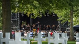 Liberation Concert: Margraten viert en gedenkt op afstand op de Amerikaanse begraafplaats