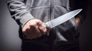 Mannen in Eindhoven bedreigd met mes en pistool en beroofd