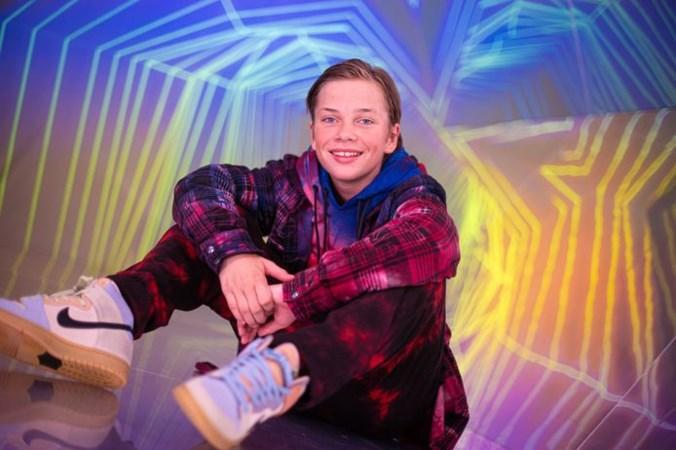 Zoon Jeroen van der Boom komt met videoclip: 'Ik doe het anders dan mijn vader'