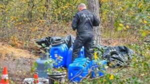 Politie doet bijzondere vondst in Valkenswaard: ingegraven productielocatie synthetische drugs