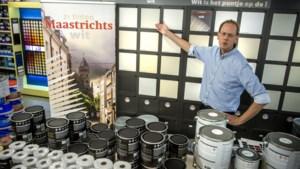 Roger Heuts kwam door zijn wandelingen door Maastricht tot een kleurenkaart met 21 tinten wit