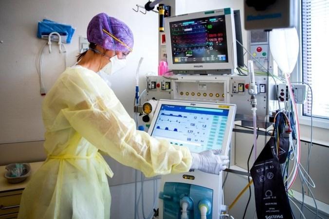 Verpleegkundigen vrezen zware tweede golf door testgebrek: 'Ik zie zo tien cliënten op één dag'