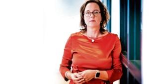 Minister Tamara van Ark begrijpt heel goed dat mensen corona zat zijn, maar: 'Je niet aan de regels houden, is onverantwoord'