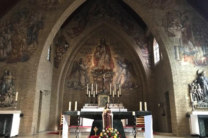 De mijnen brachten Lauradorp voorspoed, maar uiteindelijk moet de kerk na 86 jaar toch de deuren sluiten