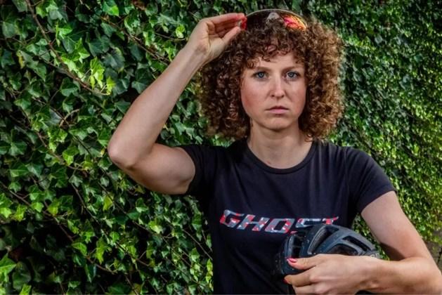 Mountainbikester Anne Terpstra wint NK in Sittard