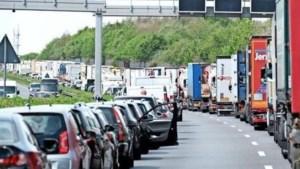 Zo maak je een 'reddingsstrook', die vanaf volgende week verplicht is in België