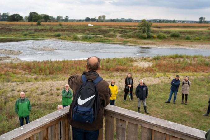 Bewoners leren Grensmaas kennen door verhalen bij zwerfkeien tussen Meers en Maasband