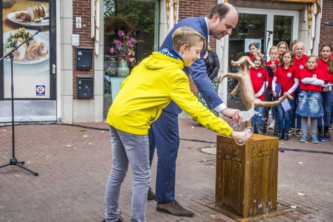 Nieuw Horster Hundje onthuld: 'Over de ophef gaan we het niet hebben!'