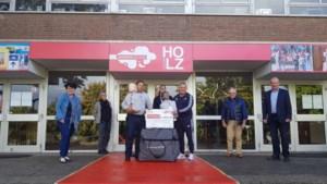 Beroepscollege HOLZ in Kerkrade ontvangt oefenpoppen voor reanimatieonderwijs