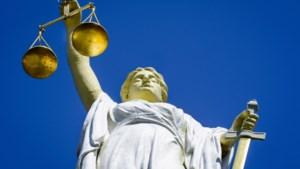 Vier jaar cel geëist tegen opa Hans, die 'doktertje speelde' met zes jonge kinderen