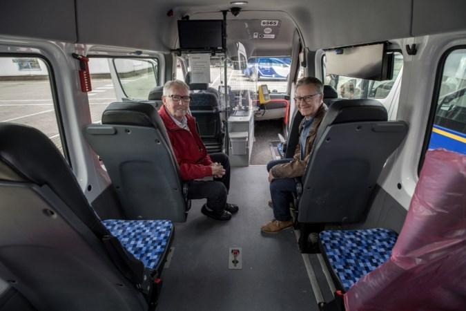 De vrijwillige chauffeurs van de buurtbus Valkenburg-Margraten missen hun ritjes: 'Je mist het sociale contact'