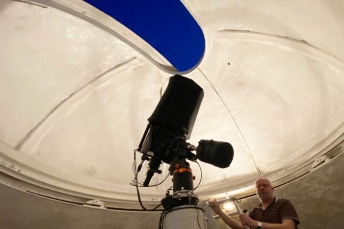 Gedreven amateurastronoom Vincent Cuijpers uit Afferden heeft een sterrenwacht in de achtertuin