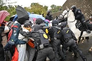 Bruinkooldemonstranten klagen over grof optreden politie
