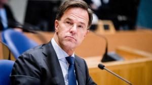 Rutte geeft 'dringend advies': per direct mondkapjes in publieke ruimte