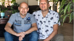 Martijn en Frans over hun budget: 'Twee keer per jaar gaan we op vakantie, we hebben geen vliegschaamte'