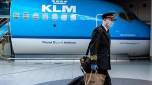 Akkoord tussen KLM en bonden cabinepersoneel over loonoffer