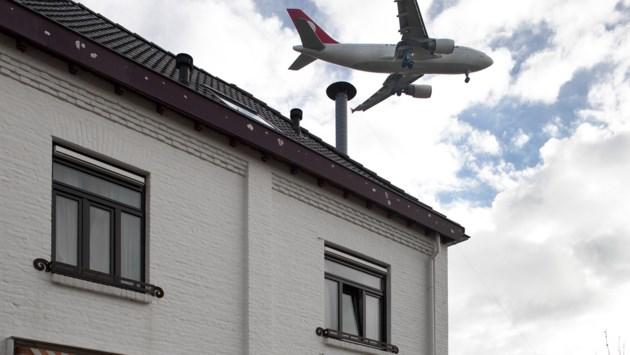 Maastricht, Meerssen en Beek willen meer bijdragen aan klachtenmeldpunt vliegveld, maar dan moeten andere gemeenten ook meedoen