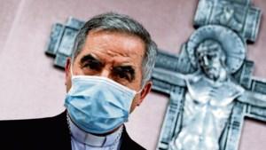 Miljoenen van de paus verduisterd: 'Jezus loog nooit'