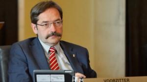 Gouverneur draait onder druk: 'We zouden Maxime Verhagen niet nog een keer inhuren'