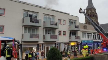 Video: Brand in restaurant, appartementen ontruimd