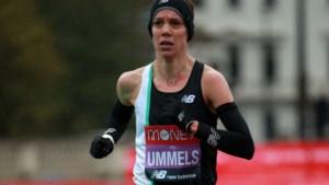 Martelgang voor Bo Ummels tijdens koude en natte marathon van Londen