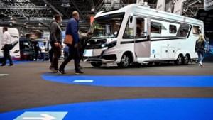 Kampeergek Nederland krijgt er geen genoeg van: verkooprecord caravans en campers