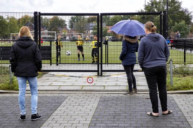 Sporten zonder publiek: achter het hek en voor het scherm