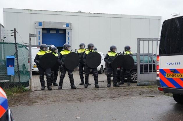 TERUGLEZEN | Politie beëindigt op diverse plekken illegale feesten en deelt boetes uit