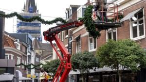 Sittard kan volgens ondernemers in barre coronatijden wat extra sfeer gebruiken: nu al kerst in binnenstad